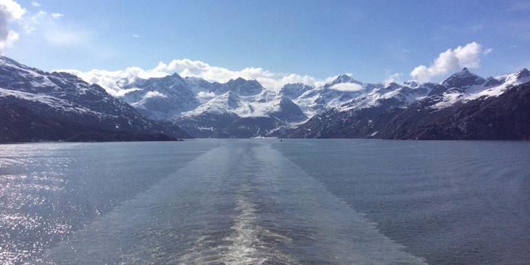 sunny day glacier bay