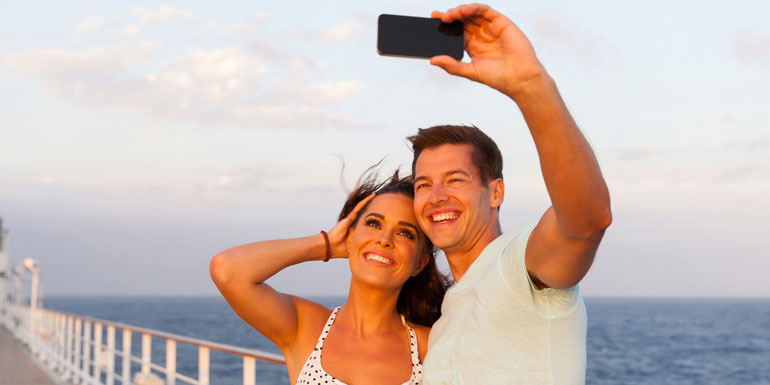 cruise selfie save money