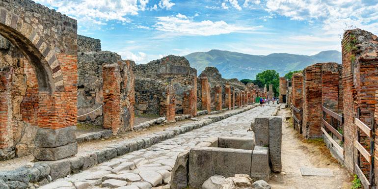 pompeii private excursion on board credit