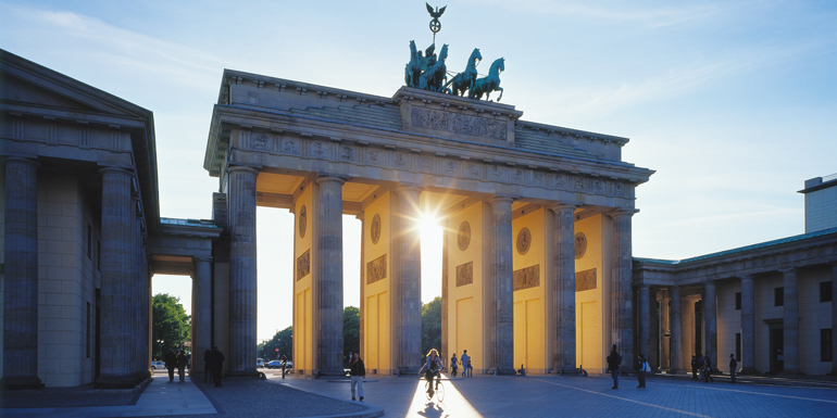 baltic berlin brandenburg gate cruise tours