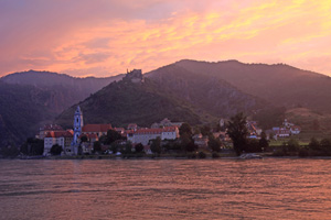 avalon illumination river cruise wachau sunset