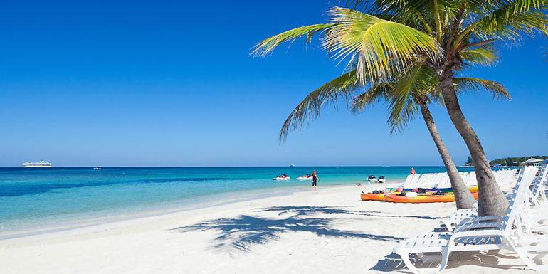tabyana beach roatan honduras caribbean