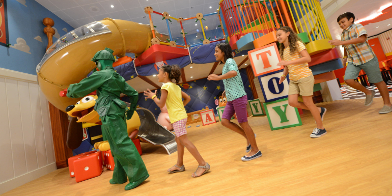 disney-kids-children-cruise-pregnant-play