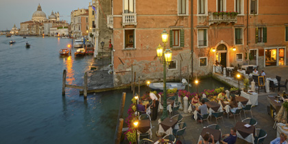 Al fresco restaurant in Venice