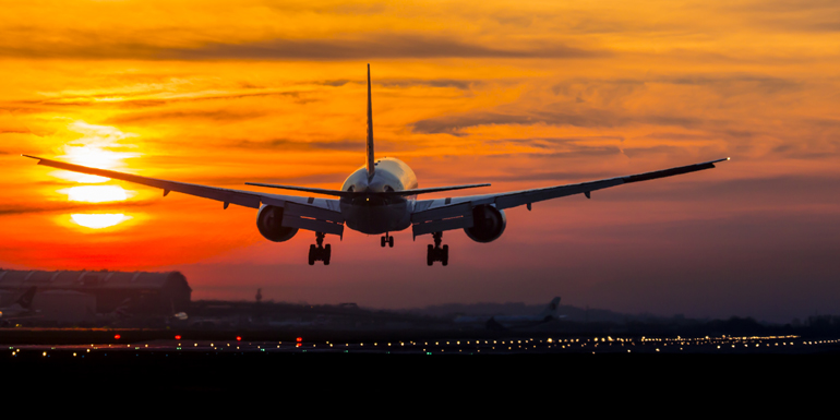 plane arriving landing