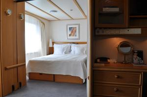 seadream ii 2 cabins commodore suite