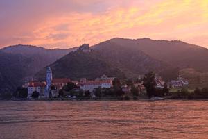 avalon illumination river cruise wachau sunset