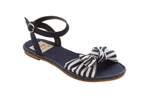 modcloth cruise sandal style fashion